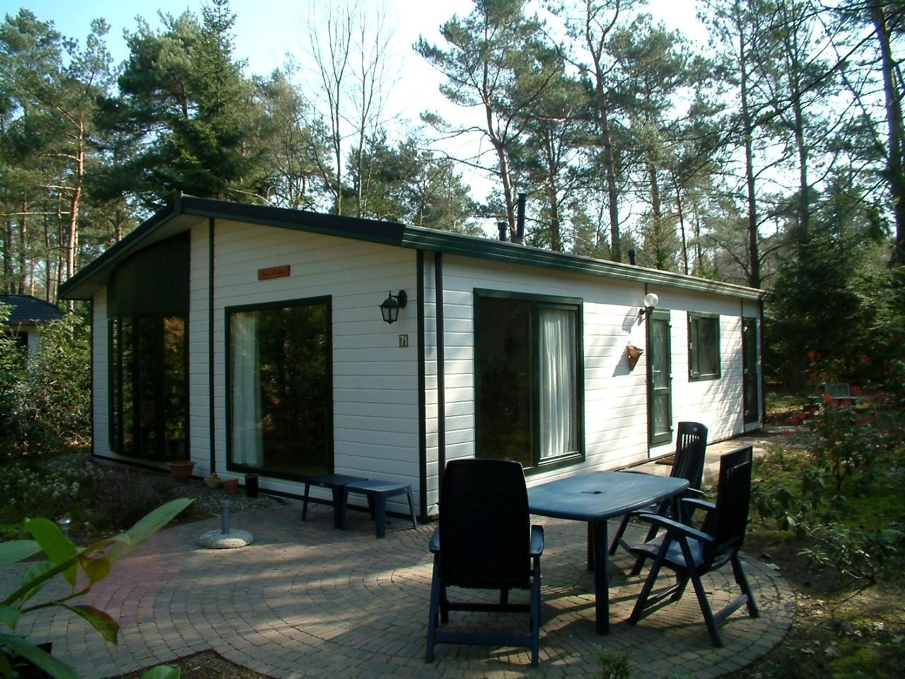 hoek bungalow met terras