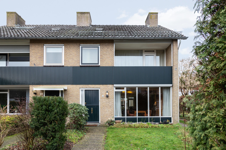 twee-onder-een-kap woning met garage Apeldoorn West